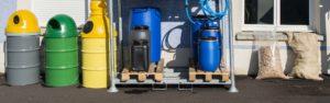 Exemple de fûts, bidons et accessoires disponibles chez Containers Service