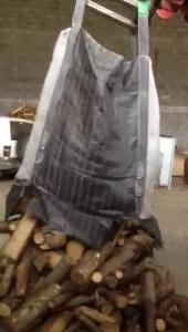 Big bag bois de chauffage en utilisation